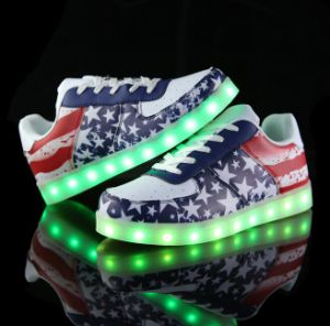 High Quality Fashion LED Light Running Shoes pictures & photos