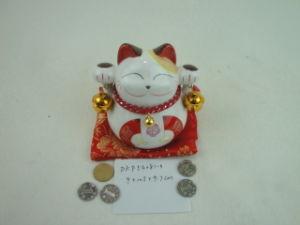 Ceramic Japanese Figurine Fortune Cat pictures & photos
