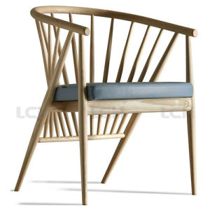 Modern Wood Leisure Chair in Fabric