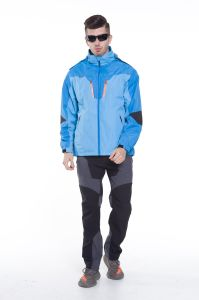 Factory Customize Outdoor Waterproof Softshell Jacket pictures & photos