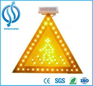 Solar Right Arrow Traffic Board/Traffic Warning Sign pictures & photos