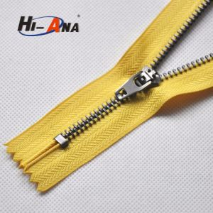 New Tachnology to Lead Our Clients′ Needs Ningbo Ykk Zipper pictures & photos