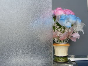 Color/Clear Patterned Glass From Shahe Factory pictures & photos