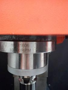 Vmc550L Vertical CNC Milling Machine pictures & photos