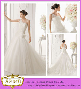 2014 Fashionable Elegant White A Line One Shoulder Open Back Lace Bodice Big Tulle Skirt Long Beautiful Wedding Dresses pictures & photos
