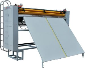 2015-Cm-128 Mattress Cutting Machine / Yuxing Panel Cutter pictures & photos