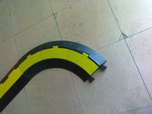 Ry Corner Cable Ramp with Rubber Material pictures & photos