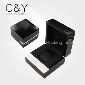 High Quality Piano Black Lacquered Wooden Wrist Watch Packaging Box pictures & photos