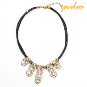 Fashion Leather String Necklace with Rhinestone and Imitation Pearl pictures & photos