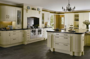 Solid Wood Kitchen Cabinet #241 pictures & photos