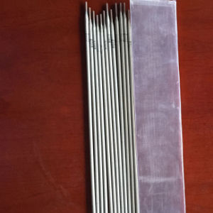 Low Carbon Steel Electrode E7018 2.5*300mm pictures & photos