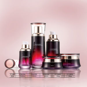 Volume Plastic&Glass&Acrylic Cosmetic Bottle & Cream Jar with Shining for Skin Care Silver Lid pictures & photos