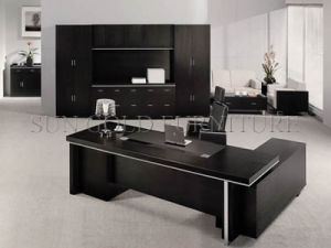 Professional Factory Made Luxury Wooden Office Desk with Painting (SZ-OD535) pictures & photos