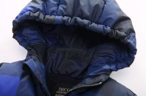 Plaid Children′s Cotton Coat for Boy Clothes pictures & photos