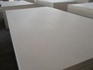 High Quality 18mm Russian Laminated Birch Plywood pictures & photos