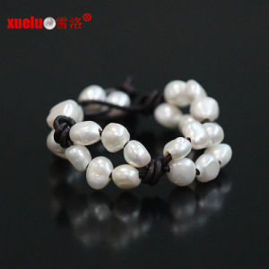 Real Leather Baroque Cultured Natural Pearl Bracelet Jewelry (E150056) pictures & photos