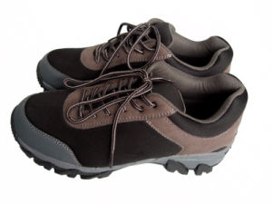Outdoor Water Proof Traning Shoes pictures & photos