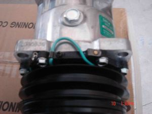 Auto AC Compressor for Universal (5H14-6627) pictures & photos