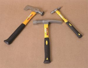High Quality Hand Tools 16oz Nail Hammer Claw Hammer with Fiberglass Handle pictures & photos