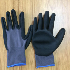 Nitrile Touch Screen Gloves, Ultrthin Foam pictures & photos