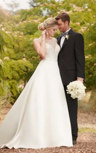 A Line Satin Embellished Wedding Dress pictures & photos