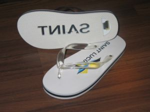 Built-in Bottle Opener Flip Flop Sandal with Die-Cut Logo pictures & photos
