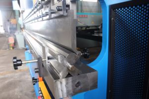 WF67Y Series Hydraulic Nc (digital display) Press Brake pictures & photos