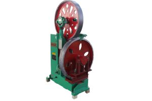 Mj3210 Vertical Wood Cutting Band Saw Machine with Log Carriage for Log Planks/Lumber Cutting pictures & photos