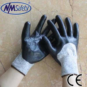 Nmsafety Hppe Coated Cut Resistant Protective Work Glove pictures & photos