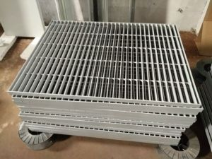 Grids Pattern Plate Basement for Spray Booth pictures & photos