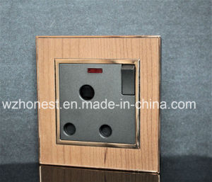 BS Approval Electric Socket pictures & photos