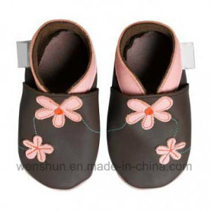 Baby Leather Shoes 4130 pictures & photos