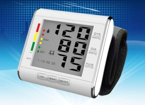 Wrist Blood Pressure Monitor/Blood Pressure Monitor/Automatic Voice Blood Pressure Meter pictures & photos