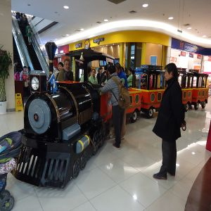 Indoor Kids Riding Eelctric Train for Shopping Malls Supermarket (SPL25) pictures & photos