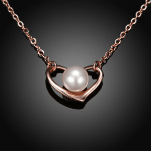 Rose Gold Plated Heart Shape Pearl Pendant Necklace Simple Design for Women pictures & photos