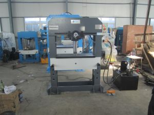 Sliding Cylinder Industrial Hydraulic Press for Stamping and Molding (HP-100M) pictures & photos