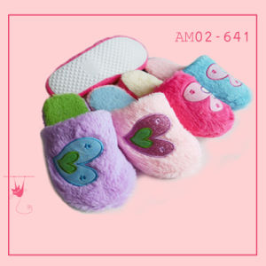 Ladies Plush Home Indoor Soft Bedroom Pretty Slipper pictures & photos