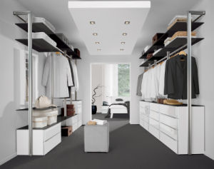 Modern Style Wooden Bedroom Closet Lacquer Wardrobe pictures & photos