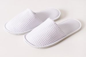 Promotional Cheap Waffle Hotel Slippers pictures & photos