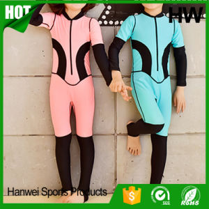 Superior Quality Kids Neoprene Surfing Wetsuits (HW-W010) pictures & photos