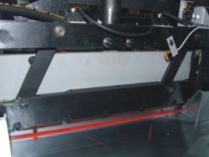 Hydraulic Program-Controlled Paper Cutting Machine 670mm pictures & photos