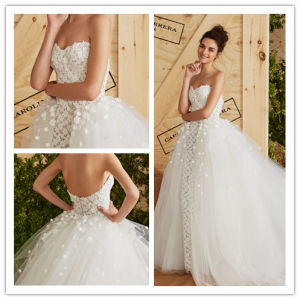 2017 Lace Flower Tulle Strapless Ball Gown Wedding Dress (Dream-100064) pictures & photos