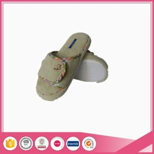 Coral Fleece Open Toe Women Indoor Slipper pictures & photos