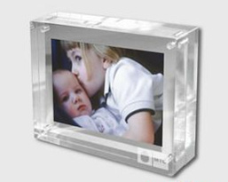 Customize Wholesale New Clear 4X6 Picture Magnetic Transparent Acrylic Photo Frame pictures & photos