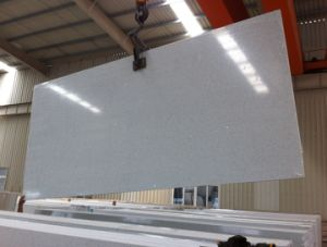 Crystal White Quartz Slab for Countertop pictures & photos