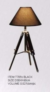 Hotel Fabric Shade Tripod Wooden Base Table Lamp (KAT705S) pictures & photos