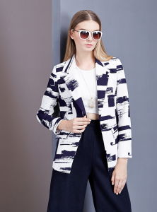 Women Abstract Print Long Sleeve Fahshion Jacket pictures & photos