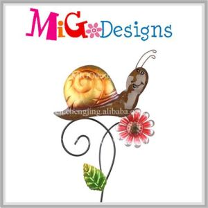 Charming Smiling Snail with Flower Metal Garden Stake pictures & photos
