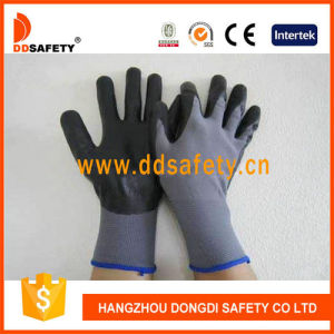 Ddsafety 2017 13 Gauge Grey Nylon Liner Black Ultra Thin Foam Nitrile Glove pictures & photos