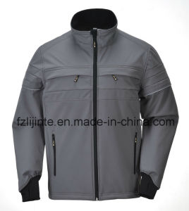 Men Jacket Softshell Breathable Workwear with Reflective Strips pictures & photos